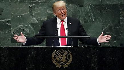 Girdamasis pasiekimais D.Trumpas sukėlė susirinkusiųjų juoką
