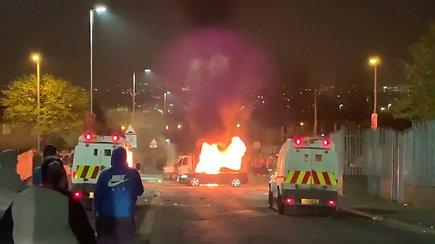 """Šiaurės Airijoje nušauta moteris – policija laiko tai """"teroristiniu incidentu"""""""