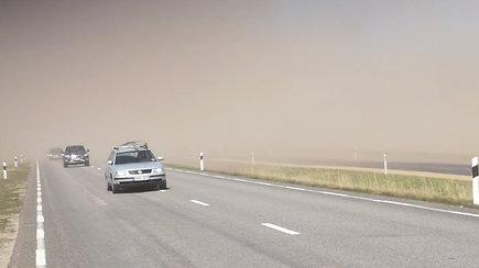 Prie Klaipėdos žmonės pastebėjo keistą gamtos reiškinį – vaizdas panašus į smėlio audrą