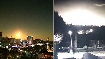 Užsiliepsnojęs tiesiai prieš akis akinantis meteoras nustebino gamtos fenomeno liudininkus
