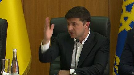 """Volodymyras Zelenskis tęsia šou – iš susitikimo išvarė pareigūną: """"Lauk, bandite!"""""""