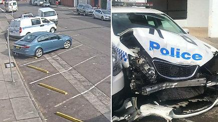 Prisigavo: pareigūnų automobilį suknežinęs nerangus vairuotojas pasprukti bandė ne be reikalo