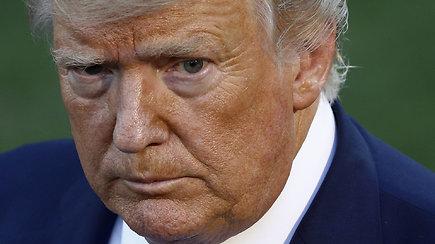D.Trumpas paaiškino, kodėl jo veidas ryškiai oranžinis: netikėta priežastis prajuokino