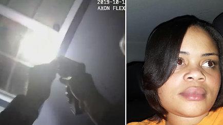 Pražūtingas pareigūno šūvis sukrėtė gyventojus: juodaodę moterį nužudė jos pačios namuose