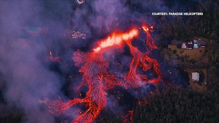 Kilauėja ugnikalnis nerimsta: sala skęsta lavoje ir dūmuose
