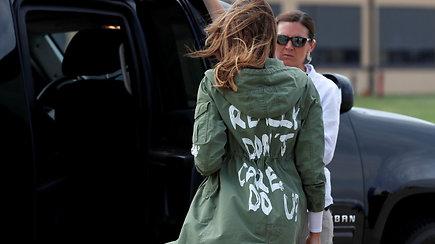 """Per susitikimą su migrantų vaikais už M.Trump kalbėjo užrašas ant švarko: """"Man tikrai nerūpi"""""""