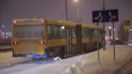 Gausus snygis apsunkino vairavimo sąlygas autobusams