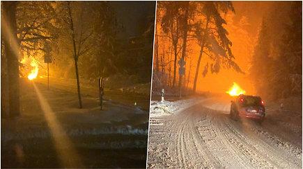 Vilniuje nufilmuota avarija: žaižaravo elektros linija