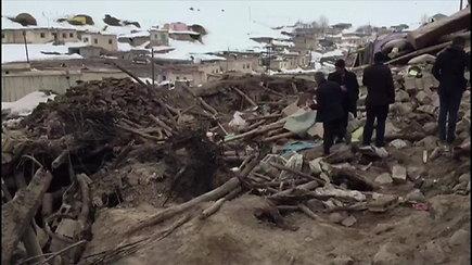 Turkiją ir Iraną sukrėtus 5,7 balų stiprumo žemės drebėjimui, žuvo 9 žmonės, dar dešimtys sužeistų