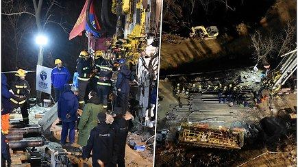 Po sprogimo 12 auksakasių savaitę išliko gyvi užverstoje šachtoje – apie juos sužinota iš raštelio, savininkai parą slėpė nelaimę