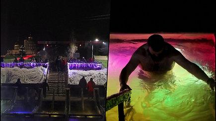 Stačiatikiai žegnodamiesi maudėsi lediniame vandenyje – atliko seną ritualą, kuris nuplauna nuodėmes