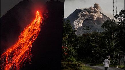 Užfiksuoti įspūdingi, bet pavojingi vaizdai: ugnikalnio šlaitais nutekėjo karšti uolienų, pelenų ir dujų debesys