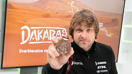 15min studijoje – Dakaro ralyje į geriausiųjų 20-tuką patekęs Benediktas Vanagas