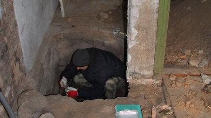 15/15: Pasižvalgykite po atrastą partizano A.Kraujelio-Siaubūno slėptuvę