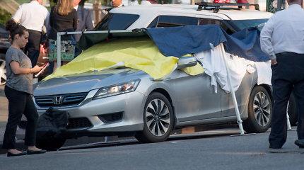 Per karščius automobilyje 8 valandoms palikti dvynukai mirė, juos pamiršęs tėvas kaltinamas žmogžudyste