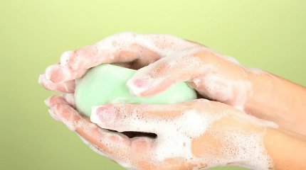 Rotavirusą perneša neplautos rankos: kaip apsisaugoti?