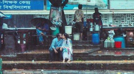Garsus Bangladešo fotografas neteko darbo dėl bučinio nuotraukos