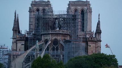 """Paryžiaus valdžia: švino tarša aplink Dievo Motinos katedrą nekelia """"jokio pavojaus"""""""