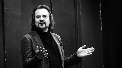 """O.Koršunovo laiškas R.Šimašiui: """"Geriu, nes reikia versti aktorius vaidinti ne teatre, o ofise"""""""