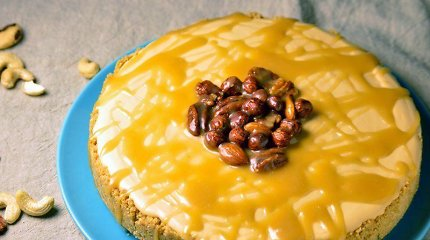 """""""Meyer Maistas"""" receptas: nekeptas karamelinis tortas su karamelizuotais riešutais"""