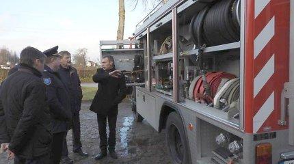 """Didžiasalio ugniagesių """"senutėlį"""" automobilį keičia 1992 metų autocisterna už 25 tūkst. eurų"""