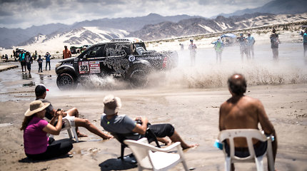Kas gali dalyvauti Dakaro ralyje: 163 puslapiai taisyklių ir baudų lentelių
