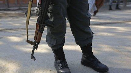 Afganistane ant minos užvažiavus automobiliui žuvo 15 civilių, tarp jų – 8 vaikai