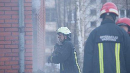 Kauno daugiabutyje kilo gaisras