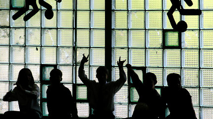 Birštono gimnazijos mokytoja kaltinama smurtu prieš mokinį