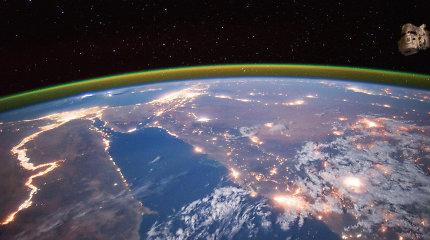 Milijardierius siūlo 8 nemokamas vietas kelionei į kosmosą: norintys turės atitikti 2 kriterijus
