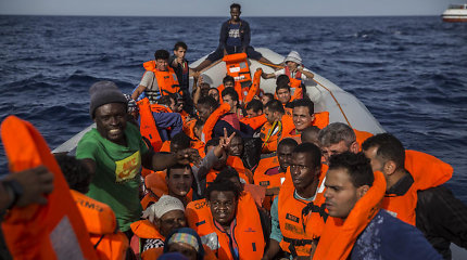 Prie Turkijos krantų nuskendus migrantų valčiai dingo 10 žmonių