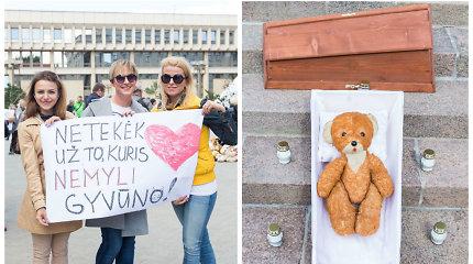 """Pikete """"Stop smurtui prieš gyvūnus"""" – simbolinės N.Zobovo cirke mirusios meškutės Lialios laidotuvės"""