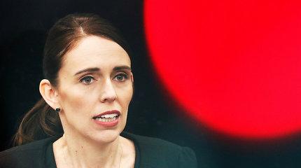 Naujojoje Zelandijoje po atakų mečetėse vėl griežtinami ginklų kontrolės įstatymai