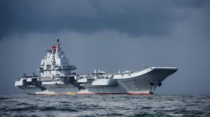 Didėjant įtampai tarp Pekino ir Taibėjaus Kinijos lėktuvnešis praplaukė pro Taivaną