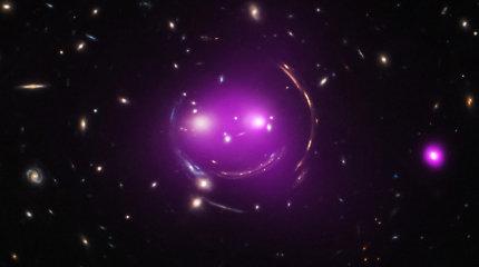 Ar Visata plečiasi greičiau už šviesą?
