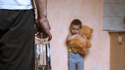 """Gyvenimas ant ribos: """"dovana"""", kurią gauna alkoholikų vaikai"""