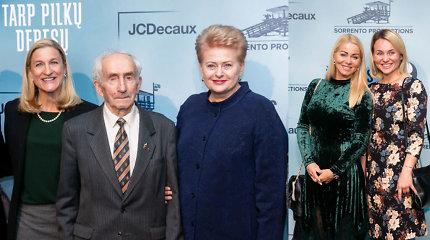 """Išankstinėje filmo """"Tarp pilkų debesų"""" premjeroje – prezidentė ir partizanas Juozas Jakavonis-Tigras"""