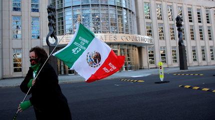 JAV teismas sutiko atsiimti kaltinimus prekyba narkotikais Meksikos gynybos eksministrui