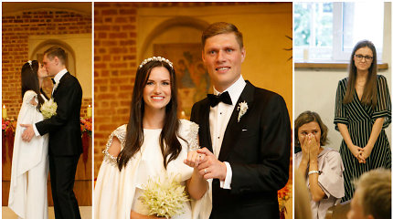 Futbolininko M.Žaliūko ir N.Sudarytės vestuvės – koplyčioje, dainuojant I.Zasimauskaitei
