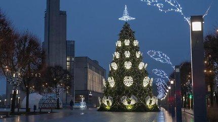 Alytuje pasipiktinta Kalėdų egle – dekoracijas teko pakeisti