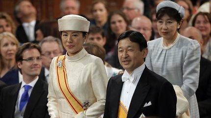 Naujasis Japonijos imperatorius Naruhito pažadėjo visuomet palaikyti šalies žmones