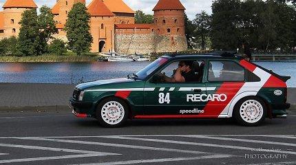 """Senutėlį """"Opel Kadett"""" atgaivinęs Martynas: """"Žmonės kartais galvoja, kad čia golfas"""""""