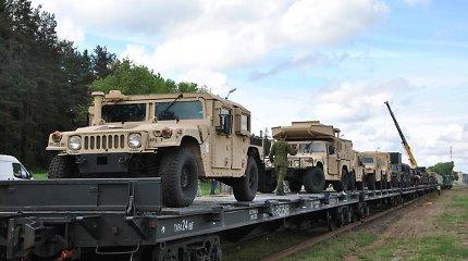 Melagingų naujienų miksas: ne, Lietuva neperka pasenusios JAV karinės įrangos