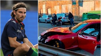 """Vartininko """"Ferrari"""" sudaužytas automobilių plovykloje"""