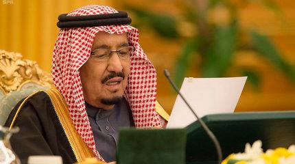 Saudo Arabijos karalius pasmerkė arabo stažuotuojo įvykdytas šaudynes Floridoje