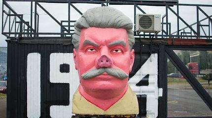 """""""Keulė Rūkė"""" pastatytas kiaulianosis Stalinas sukėlė sumaištį kauniečių galvose"""