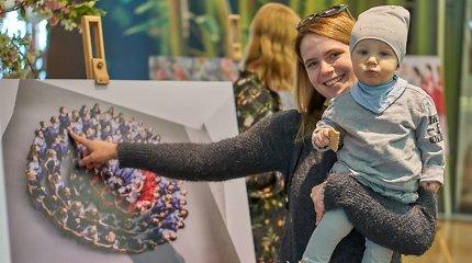 """100 nėštukių fotosesijos """"Ateitis sveikina Lietuvą!"""" parodos atidarymas"""