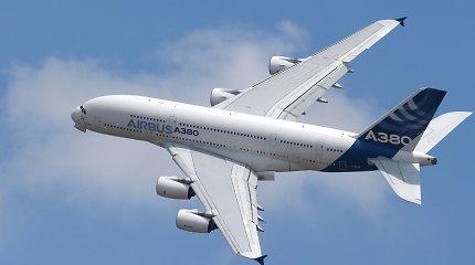 Gaisras milžino pilve – dviaukštis A380 net keturias valandas skrido į niekur