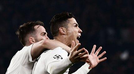 """Futbolo dievas: Cristiano Ronaldo išvedė """"Juventus"""" į Čempionų lygos ketvirtfinalį"""
