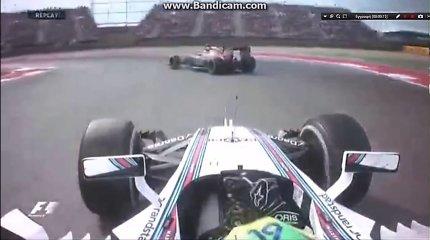 """Susistumdymas JAV """"Formulės 1"""" GP lenktynėse: F.Massa kaltina F.Alonso"""